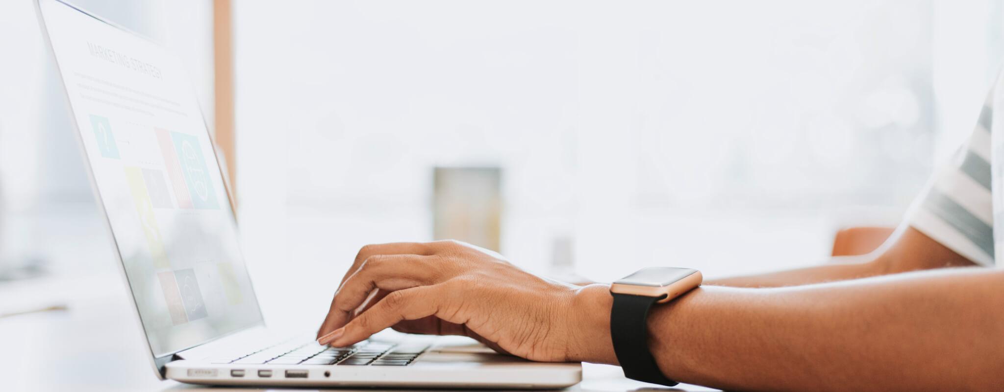 Comapring service desk vs help desk
